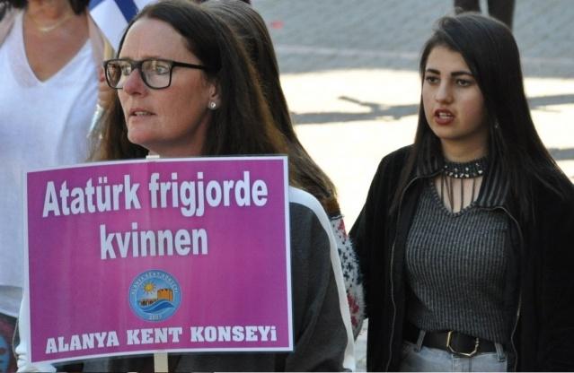 Alanya kent konseyi, dünya kadınlarını birleştirdi