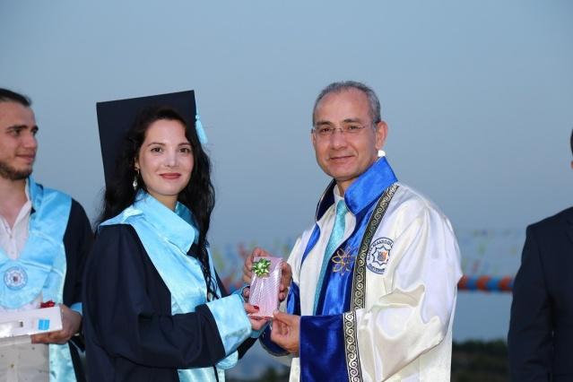 Alanya ALKÜ'de mezuniyet heyacanı