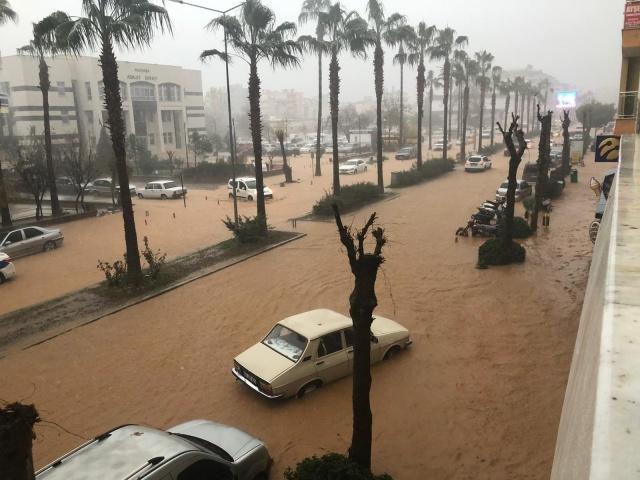 Gazipaşa tarihinin en büyük sel felaketiyle karşı karşıyaya