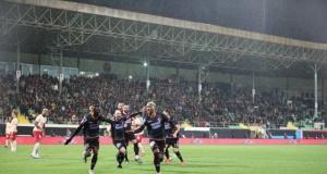 Fernandes'in Galatasaraya attığı şık golün fotoğramanı