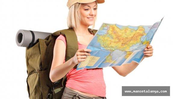 Antalya'daki turizm panelinde 'her şey dahil sistemi geri zekalılıktır' tartışması