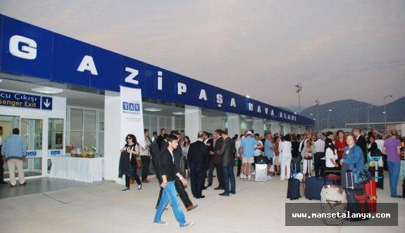 Alanya-Gazipaşa havalimanında bayram yoğunluğu