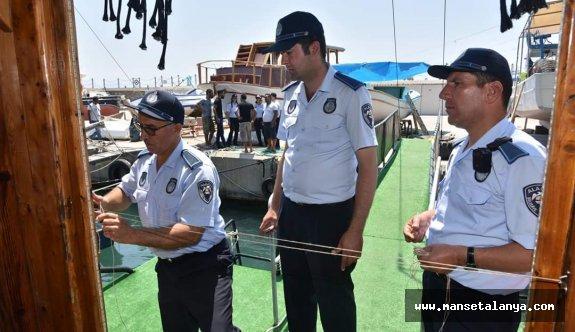 Alanyada kurallara uymayan teknelere mühür