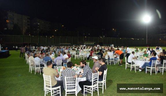 Alanyaspor, yeşil sahalarda iftar daveti verdi