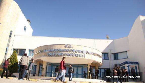 ALKÜ'de yeni öğrenciler Eylül'de Alanya'da