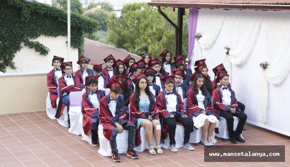 ÖHEP'te mezuniyet sevinci