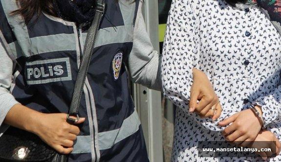 Alanya'da bylock kullanan kadın gözaltında