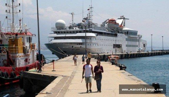 Gemiyle geldiler: Tam 260 kişi!