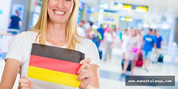 Alman turistler Rusları geçti