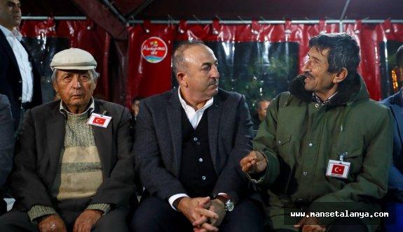 Bakan Çavuşoğlu şehidimizin evinde