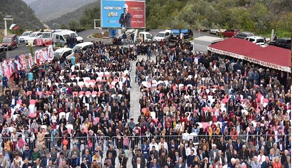 Başkan Yücel, binlerce vatandaşla adeta şov yaptı