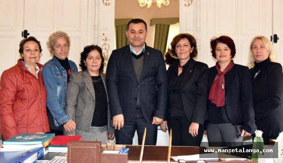 CHP'li hanımlar, Başkan Yücel'i ziyaret etti