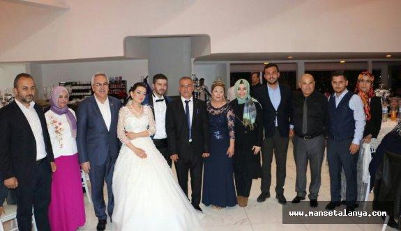 Ak Partili vekiller, Alanya'da bu düğüne katıldı
