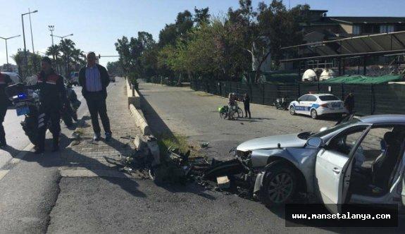 Alanya'da dur ihtarına uymadı kaza yaptı