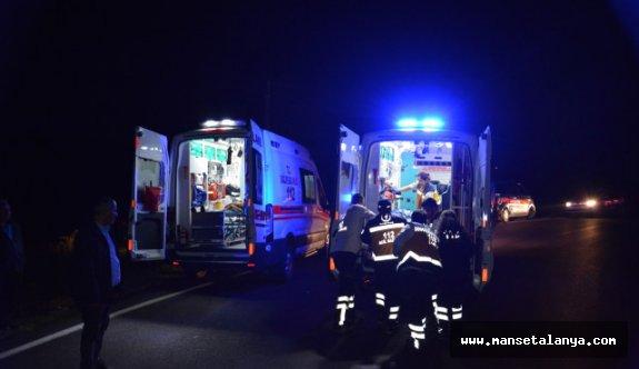 Gazipaşa'da otomobil devrildi