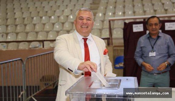 Şahin'in başarısı. ALTSO tarihinin en büyük katılımlı seçimini yaptı