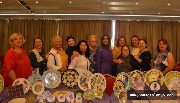 Mahmutlarla hanımların sergisi açıldı