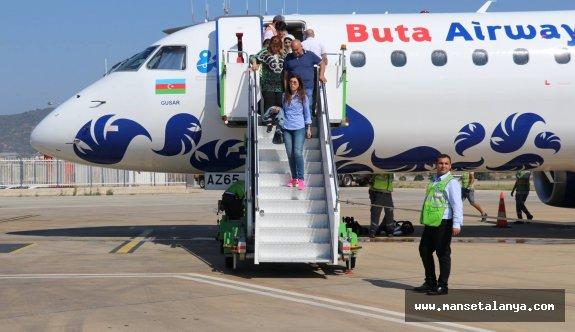 Bakü'den Alanya'ya ilk direkt uçuş gerçekleşti