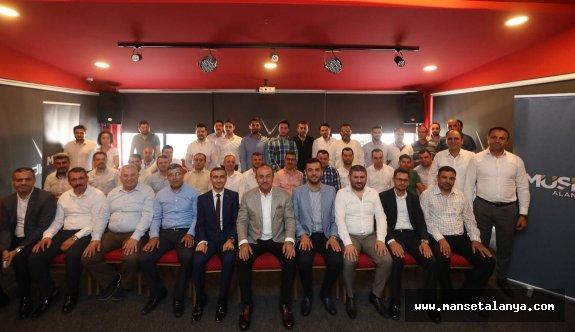 """Çavuşoğlu, """"Krizler Türkiye'ye teğer geçer"""""""