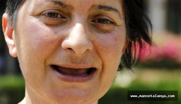 Tüm Dişlerini Kaybeden Öztürk: Acı İçinde Yaşıyorum