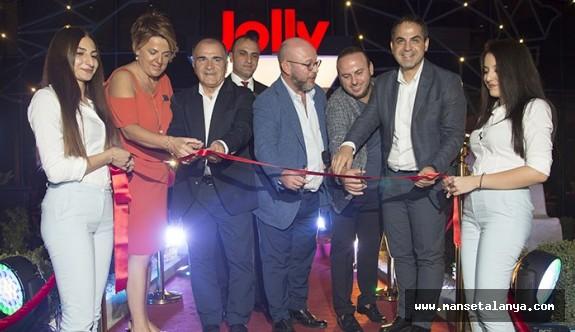 Jolly Tur Antalya'da büyüyor