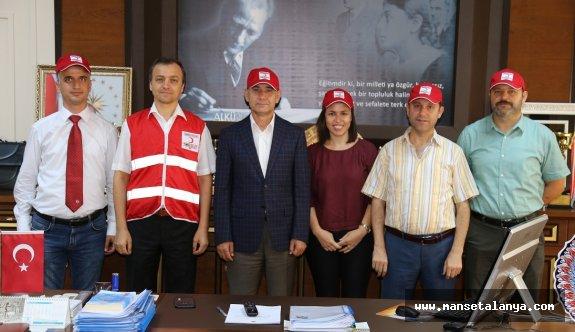 ALKÜ'lü akademisyenler Alanya kızılay şubesini kurdu