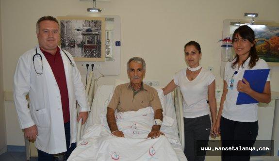 Günde 3 paket sigara içen hasta Alanya'da tedavi oldu