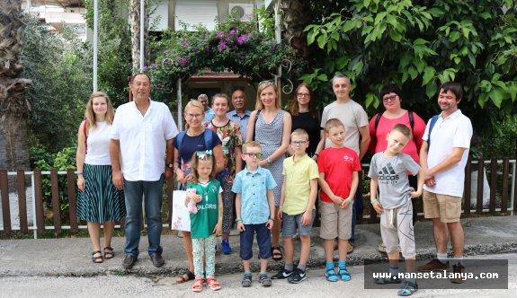 İşte size sağlık turizmi. Litvanyalı lösemili çocuklar Alanya da...