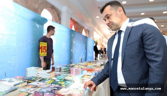 Okuyan şehir Alanya kitap fuarı açıldı
