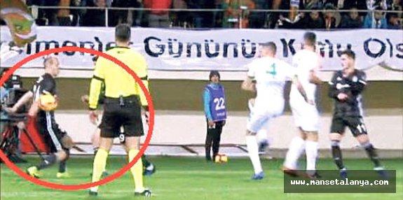 Vida'ya Yine Penaltı Yok!