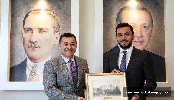 Cumhur ittifakının adayı Yücel, AKP teşkilatında!