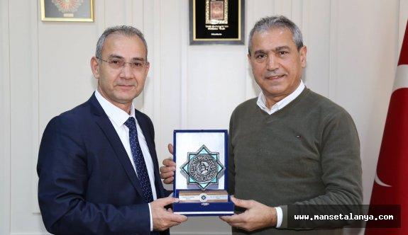 Abbas Güçlü, ALKÜ'de