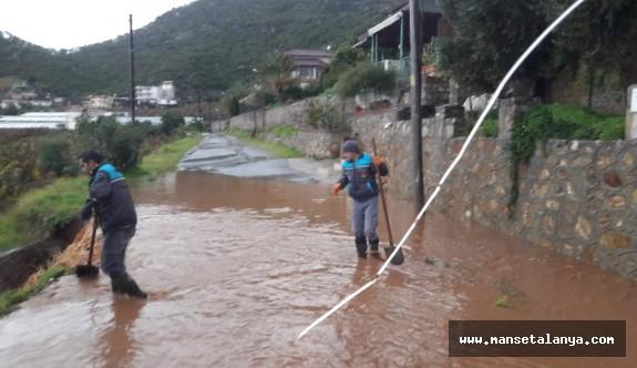 Alanya belediyesinin yağmur mesaisi!