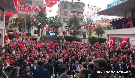 Binlerce katılımla Yücel'in seçim ofisi açıldı