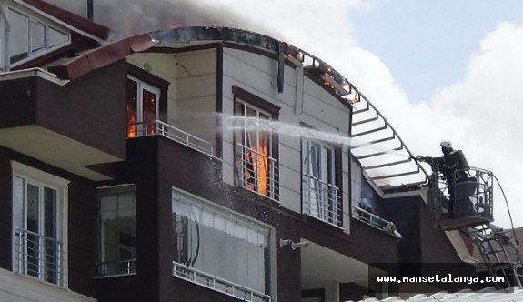 Gazipaşa'da dublesk ev yandı!