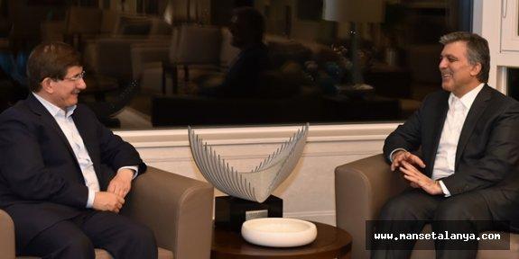 Abdullah Gül ve Ahmet Davutoğlu ekran karşısına çıktı! Dikkat çeken sözler