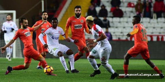 Akdeniz derbisinin maç saati değişti