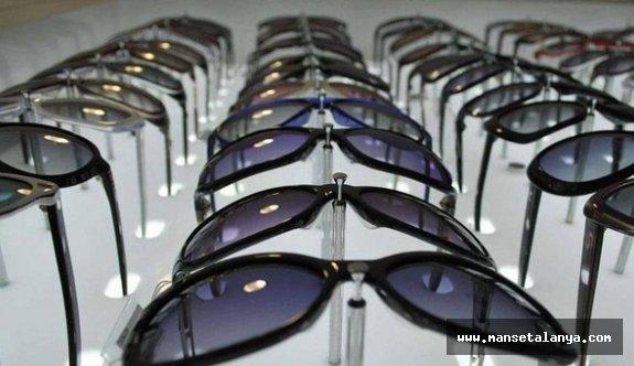 Alanya da gümrük kaçağı gözlük