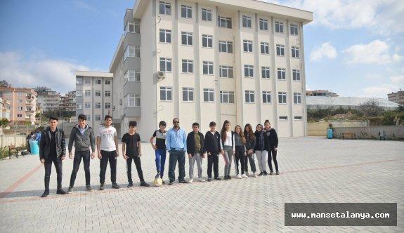 Batı Alanya'da öğrencilerin okul sevinci