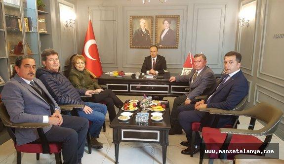 Eski devlet bakanı, Köseoğlu'nun daveti üzerine Alanya'da çalışma yapıyor!