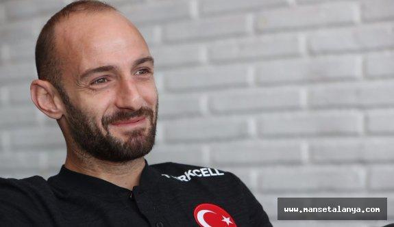 """Efecan Karaca: """"Geç kaldıysam hata bende"""""""