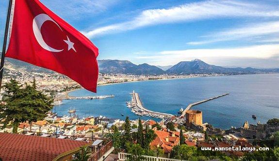 Rus turizmcilerden Türkiye yorumu: Sıcak kek gibi satılıyor