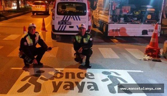 Alanya'da polis ekiplerinden öncelikli yaya bilinci uygulaması!