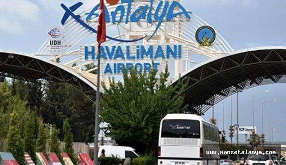 Antalya'ya Gelen Turist Sayısı 2 Milyonu Geçti