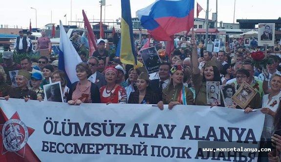 Ruslar Alanya'da günlerini kutladı!