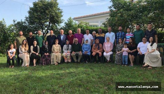Bakan Çavuşoğlu Alanya'da ailesiyle bayramlaştı