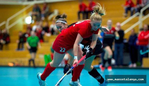 Genç kadınlar Avrupa hokey şampiyonası Alanya'da yapılacak