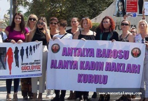 Alanya 'kadına şiddet'e tepki için bir arada