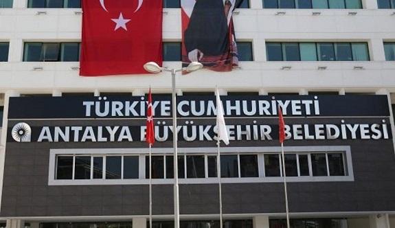 Antalya Belediyesi'nin AKP döneminde belediye şirket yöneticilerine verilen kredi kartları, eşleri tarafından kullanıldığı iddia edildi!