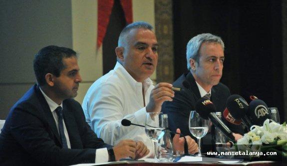 Bakan Ersoy: Oteller doldu, 9 gün tatile gerek kalmadı